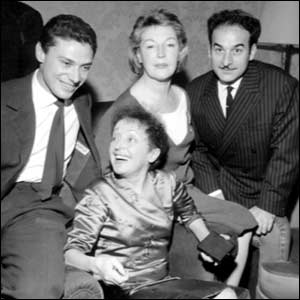 Edit Piaf with to the left Georges Moustaki