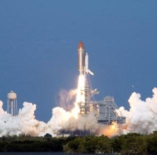 Shuttle Discovery to Launch Thursday