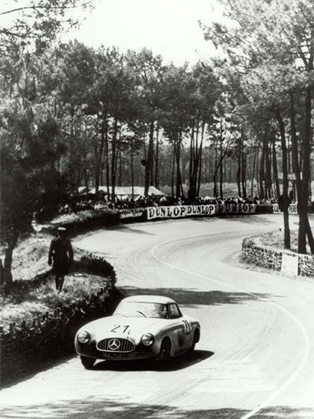 Mercedes Benz Marks 60 Years of SL at Amelia Concours