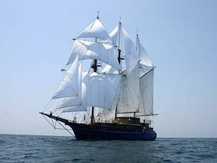 Free Tall Ship Tours in Fernandina Beach