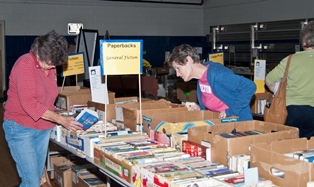 Fernandina Book Sale Raises over 8,300 Dollars