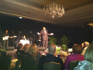 Ruben Studdard performs in front of Amelia Island Audience