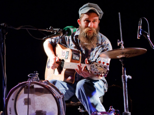 Ben Prestage, multi instrumentalist street performer