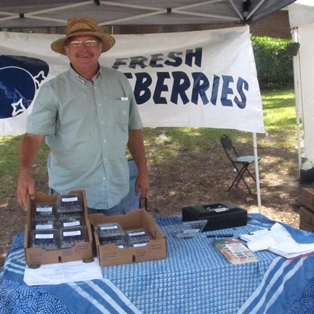 Get Your Memorial Day Groceries at the Farmers Market