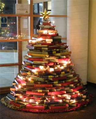 the library christmas tree