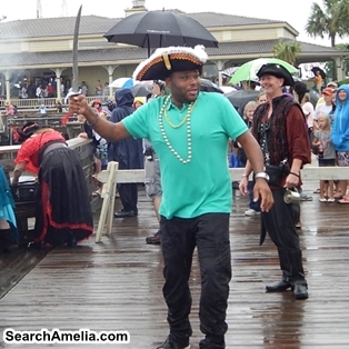 anthony-anderson-as-fernandina-pirate