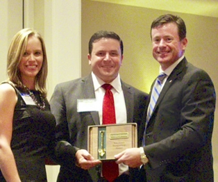 Brian Henning of Edward Jones Wins Award