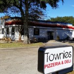 Townie's Pizzeria Presents Cars and Crust Auto Show