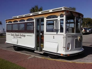 Visitors Enjoy New Daily Trolley Service on Amelia Island